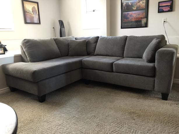 Sectional Sofa Saanich, Victoria - MOBI