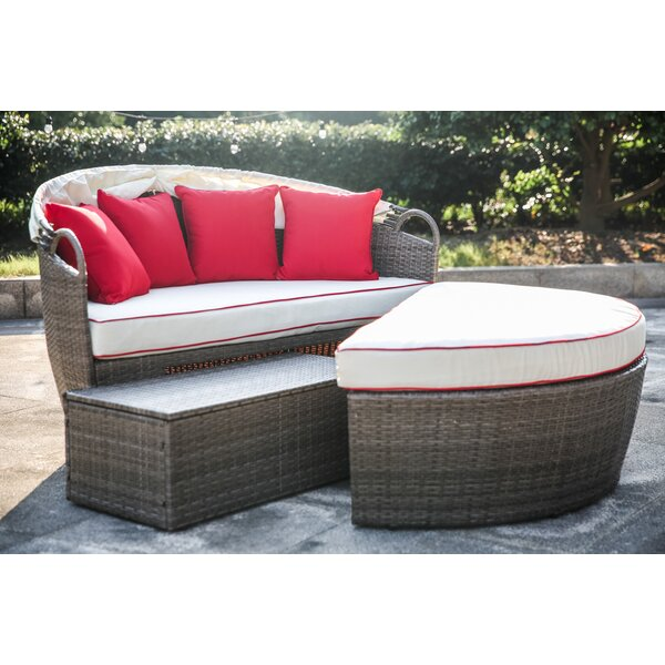 Beachcrest Home Fansler Patio Daybed with Cushions & Reviews | Wayfa