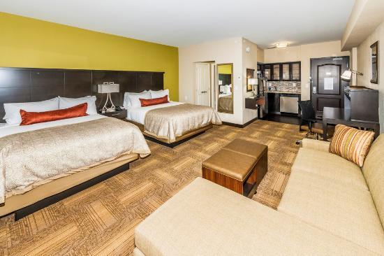 Queen Queen Studio w/Sectional Sofa - Picture of Staybridge Suites .