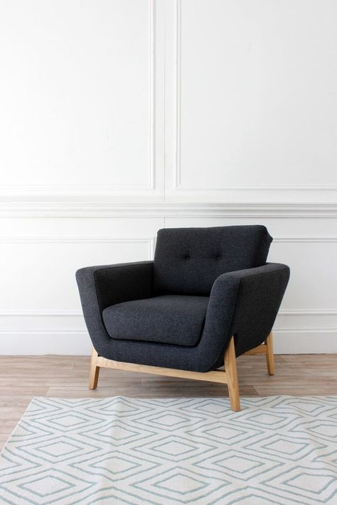 Sofa Pronto brings thoughtful mid-century design together with .