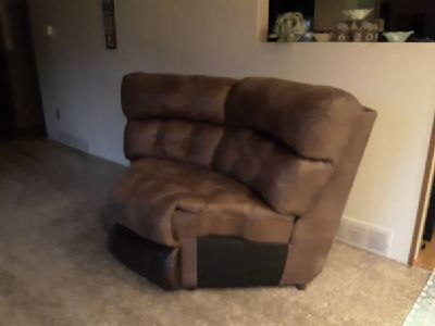 Sofa - For Sale Classified Ads in Quincy, Illinois - Claz.o